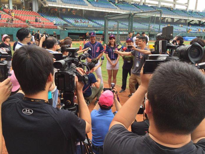 台湾No.1人気プロ野球チーム・中信ブラザーズ様のイベントの  スペシャルゲストのコーディネートをさせていただきました。